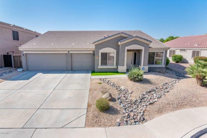 8365 W BERRIDGE Lane, Glendale, AZ 85305