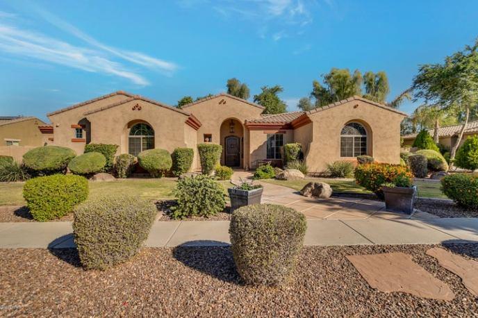 8232 W SAN JUAN Avenue, Glendale, AZ 85303