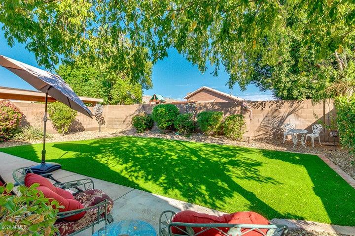 18657 N 2ND Avenue, Phoenix, AZ 85027