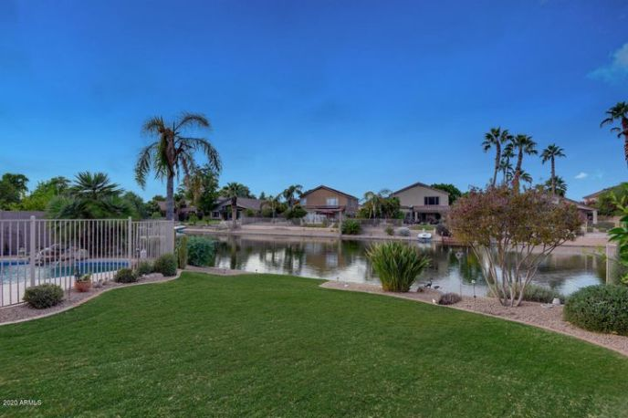 6800 W SKYLARK Drive, Glendale, AZ 85308
