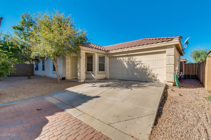 2337 E PALM BEACH Drive, Chandler, AZ 85249