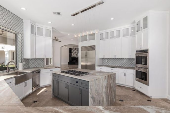 9030 N 48TH Place, Paradise Valley, AZ 85253