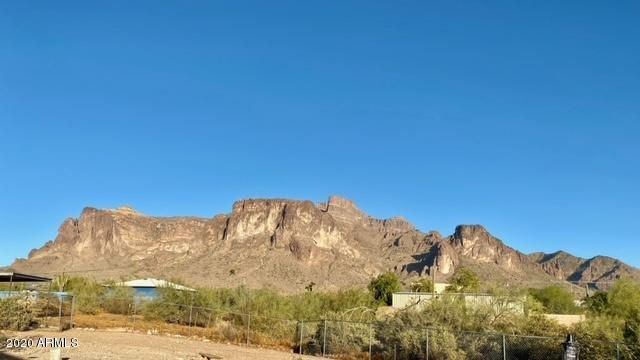 1525 N Sixshooter Road, Apache Junction, AZ 85119