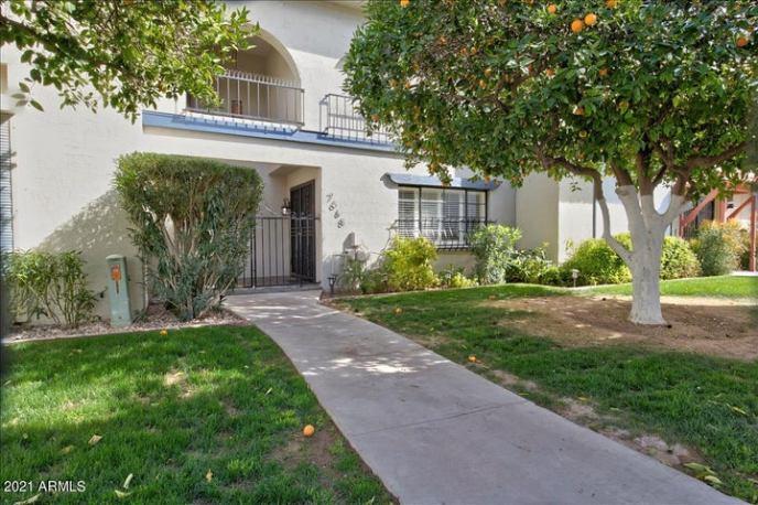 7668 E MINNEZONA Avenue, Scottsdale, AZ 85251