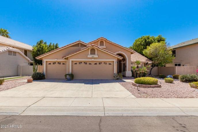 5575 W ROSE GARDEN Lane, Glendale, AZ 85308