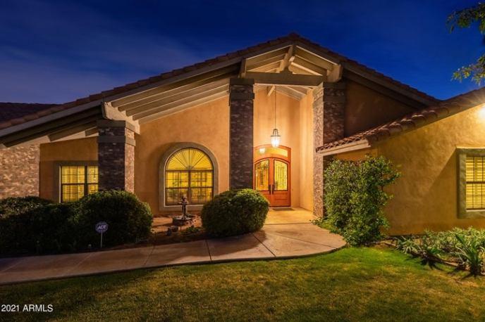 5403 W SOFT WIND Drive, Glendale, AZ 85310
