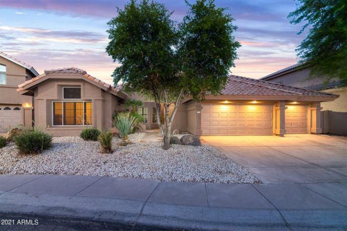1693 E GLENHAVEN Drive, Phoenix, AZ 85048
