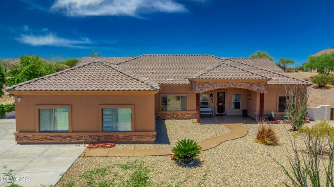 450 LONGHORN Road, Wickenburg, AZ 85390