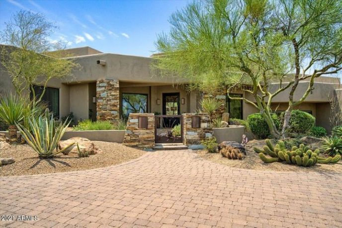 10567 E MARK Lane, Scottsdale, AZ 85262