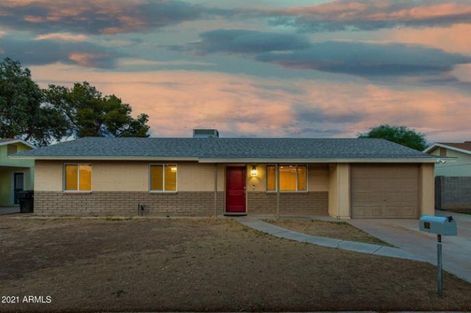 709 N CEDAR Street, Gilbert, AZ 85233