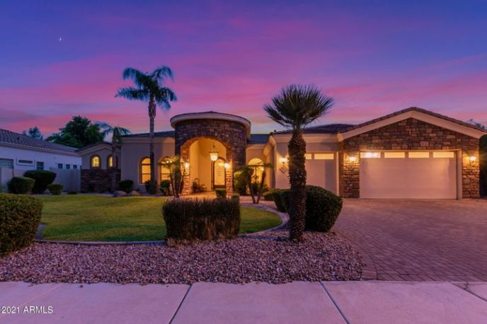 913 E COCONINO Place, Chandler, AZ 85249