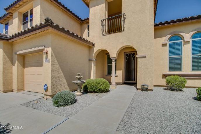 18344 W SUMMERHAVEN Drive, Goodyear, AZ 85338