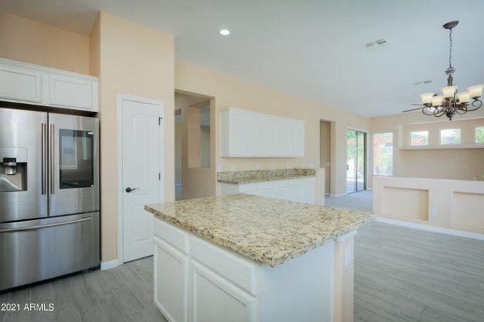 4408 W HACKAMORE Drive, Phoenix, AZ 85083