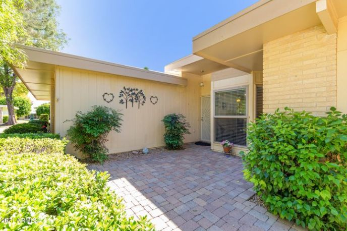 10021 W HIGHWOOD Lane, Sun City, AZ 85373
