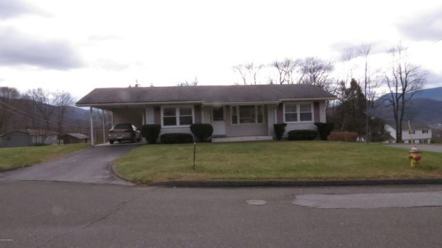 166 East Ave, North Adams, MA 01247