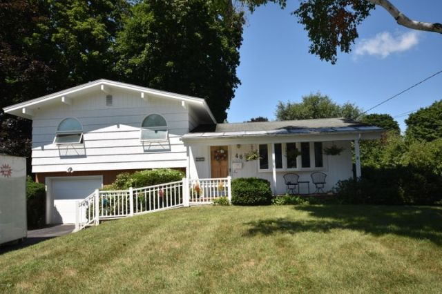 46 Rockland Dr, Pittsfield, MA 01201