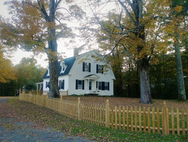 412 Maple St, Hinsdale, MA 01235