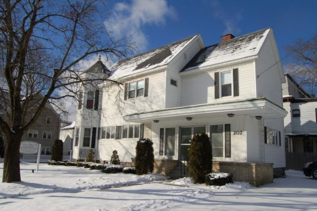 45 Maplewood Ave, Pittsfield, MA 01201