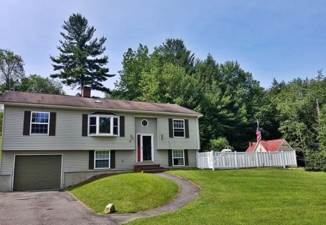81 Scalise Dr, Pittsfield, MA 01201