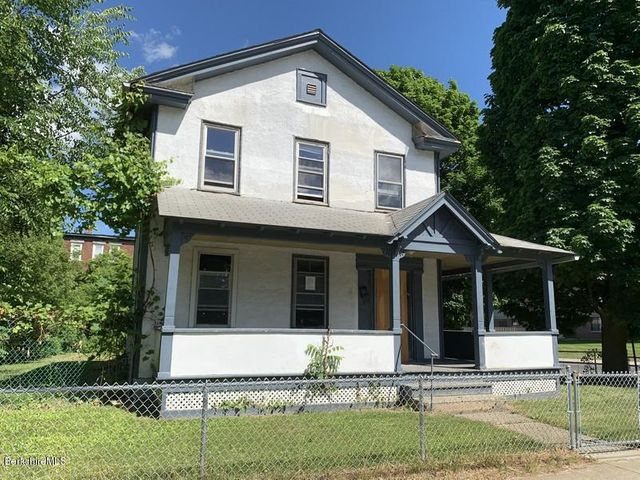 144 Francis Ave, Pittsfield, MA 01201