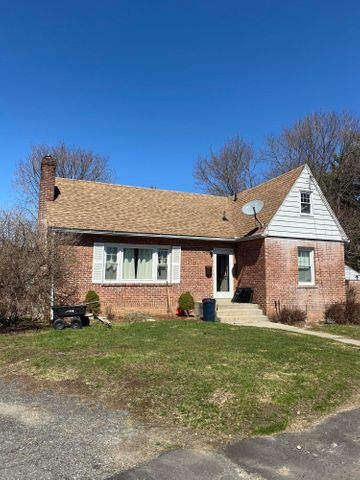 18 Evelyn Park, Pittsfield, MA 01201