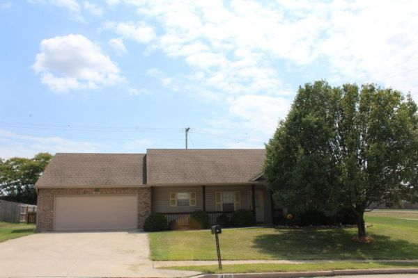 400 AMAZON DR, COLUMBIA, MO 65202