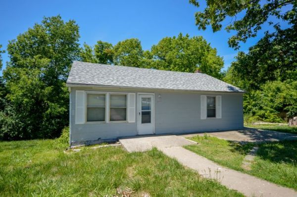 2501 CREASY SPRINGS RD, COLUMBIA, MO 65202