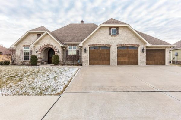 6504 UPPER BRIDLE BEND DR, COLUMBIA, MO 65201