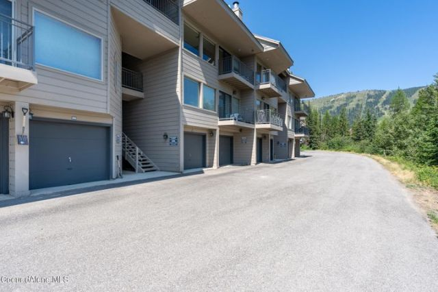 88 Blooming Flower Ct, 3, Sandpoint, ID 83864