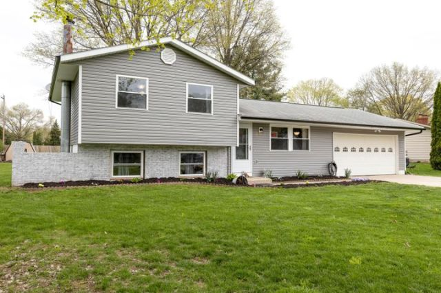 60 River Forest Road SW, Pataskala, OH 43062