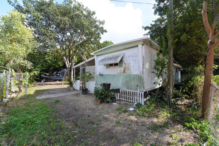 136 Buttonwood Avenue, Key Largo, FL 33037