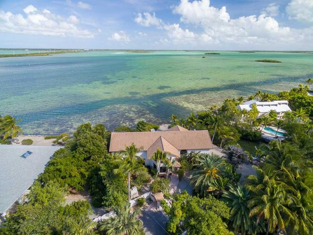 17244 E KINGFISH Lane, Sugarloaf Key, FL 33042
