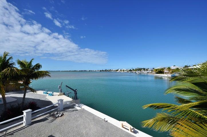 827 Bay Drive, Summerland Key, FL 33042