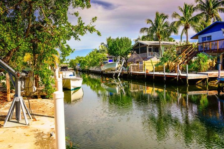 27348 St Vincent Lane, Ramrod Key, FL 33042