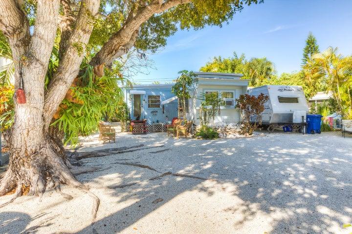 31149 Avenue E, Big Pine Key, FL 33043