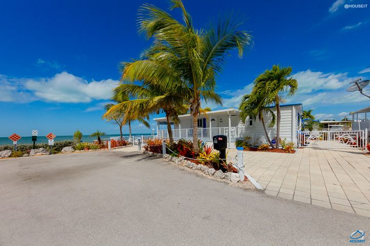 140 Mangrove Lane, Key Largo, FL 33070