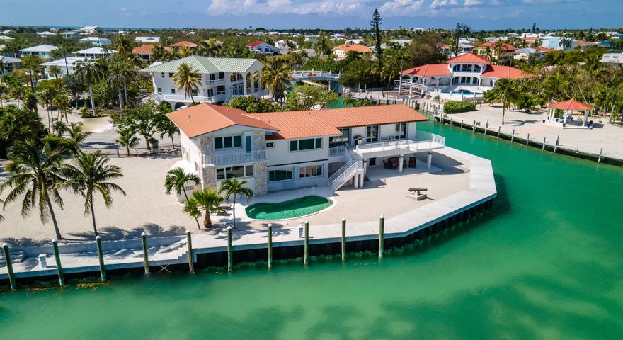 208 W Seaview Circle, Duck Key, FL 33050