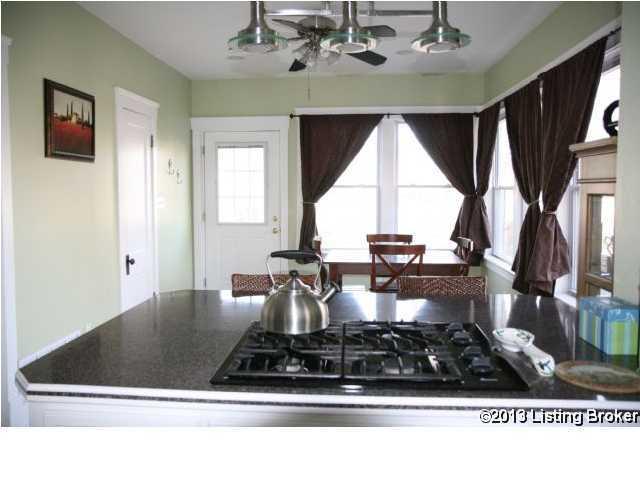 543 Eastern Pkwy,Louisville,Kentucky 40217,2 Bedrooms Bedrooms,5 Rooms Rooms,1 BathroomBathrooms,Residential,Eastern,1352411