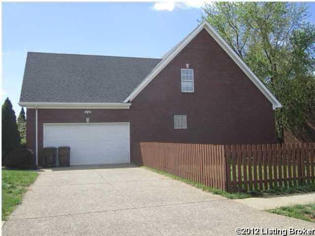 3600 Stonyrun Dr,Louisville,Kentucky 40220,3 Bedrooms Bedrooms,8 Rooms Rooms,3 BathroomsBathrooms,Residential,Stonyrun,1332923