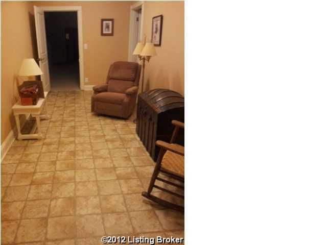 4613 Camden Ln,Crestwood,Kentucky 40014,3 Bedrooms Bedrooms,12 Rooms Rooms,4 BathroomsBathrooms,Residential,Camden,1342497