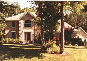 4304 GRAND WOOD Way,Crestwood,Kentucky 40014,5 Bedrooms Bedrooms,11 Rooms Rooms,4 BathroomsBathrooms,Residential,GRAND WOOD,1391959
