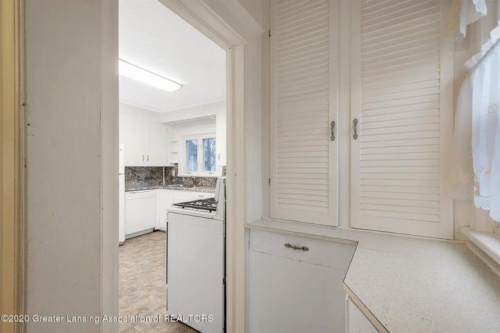 14-508 McBride St-WindowStill-Real-
