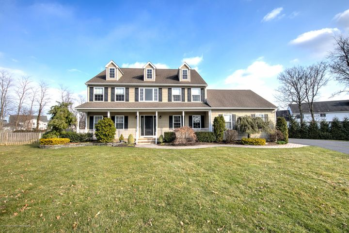4 Zocco Lane, Oceanport, NJ 07757