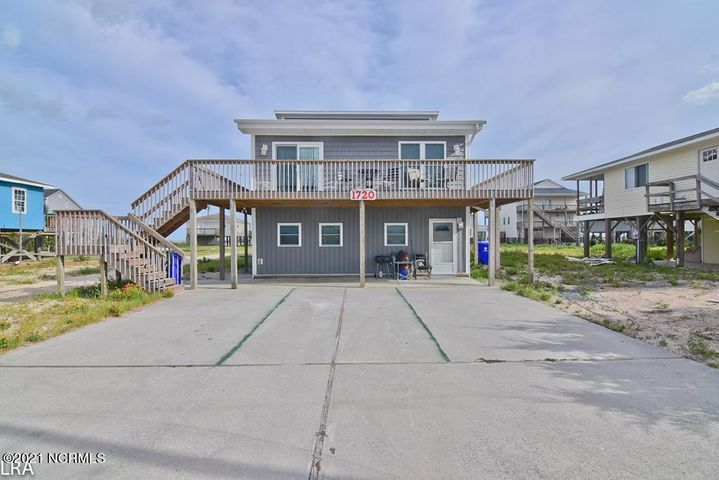 1720 N New River Drive, Surf City, NC 28445