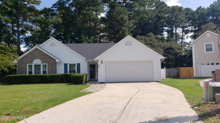 203 Carlisle Court, Jacksonville, NC 28546