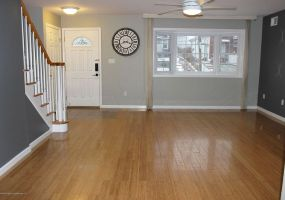 35 Jerome Road,Staten Island,New York,10305,United States,3 Bedrooms Bedrooms,6 Rooms Rooms,3 BathroomsBathrooms,Res-Rental,Jerome,1115637