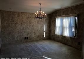 61 Memphis Avenue,Staten Island,New York,10312,United States,3 Bedrooms Bedrooms,6 Rooms Rooms,2 BathroomsBathrooms,Res-Rental,Memphis,1118277