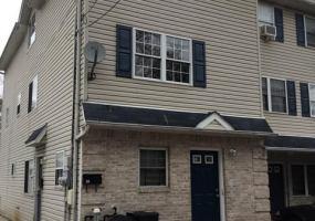 33 Cornell Place,Staten Island,New York,10304,United States,3 Bedrooms Bedrooms,6 Rooms Rooms,2 BathroomsBathrooms,Res-Rental,Cornell,1118567