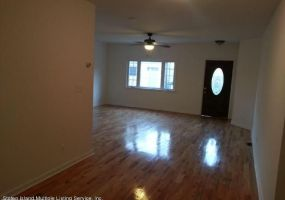 20 Andros Avenue,Staten Island,New York,10303,United States,3 Bedrooms Bedrooms,5 Rooms Rooms,1 BathroomBathrooms,Res-Rental,Andros,1120216