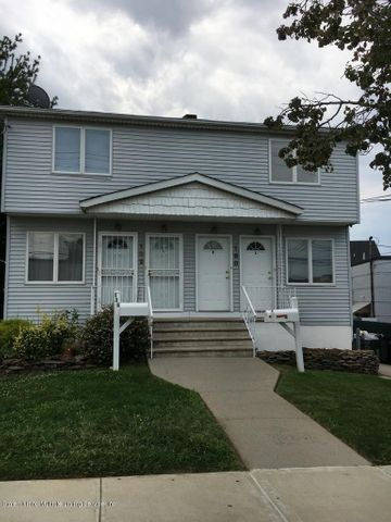160 Llewellyn Place, Staten Island, NY 10310
